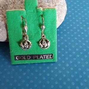 Vintage gold plated Claddagh earrings